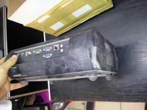 Sanyo projektor uszkodzona obudowa